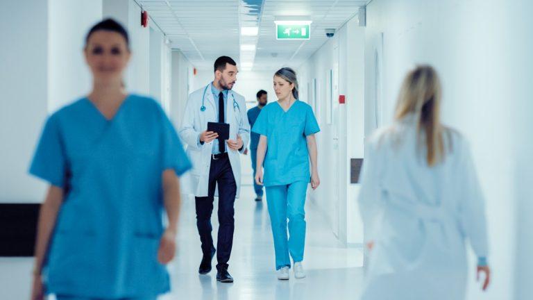 Wie Experten Ärzte und Kliniken passgenau zusammenführen